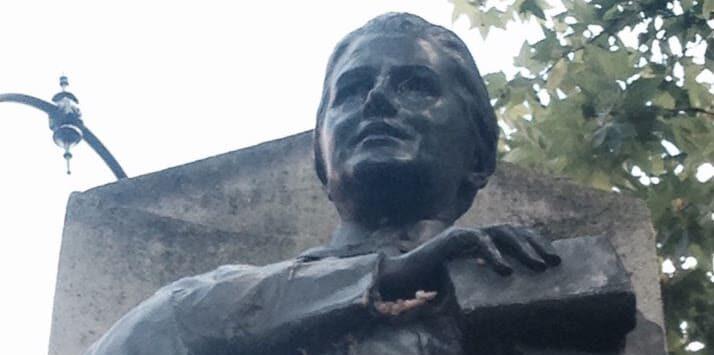 Image of Statue of Louise Aldrick Black in Woburn Square